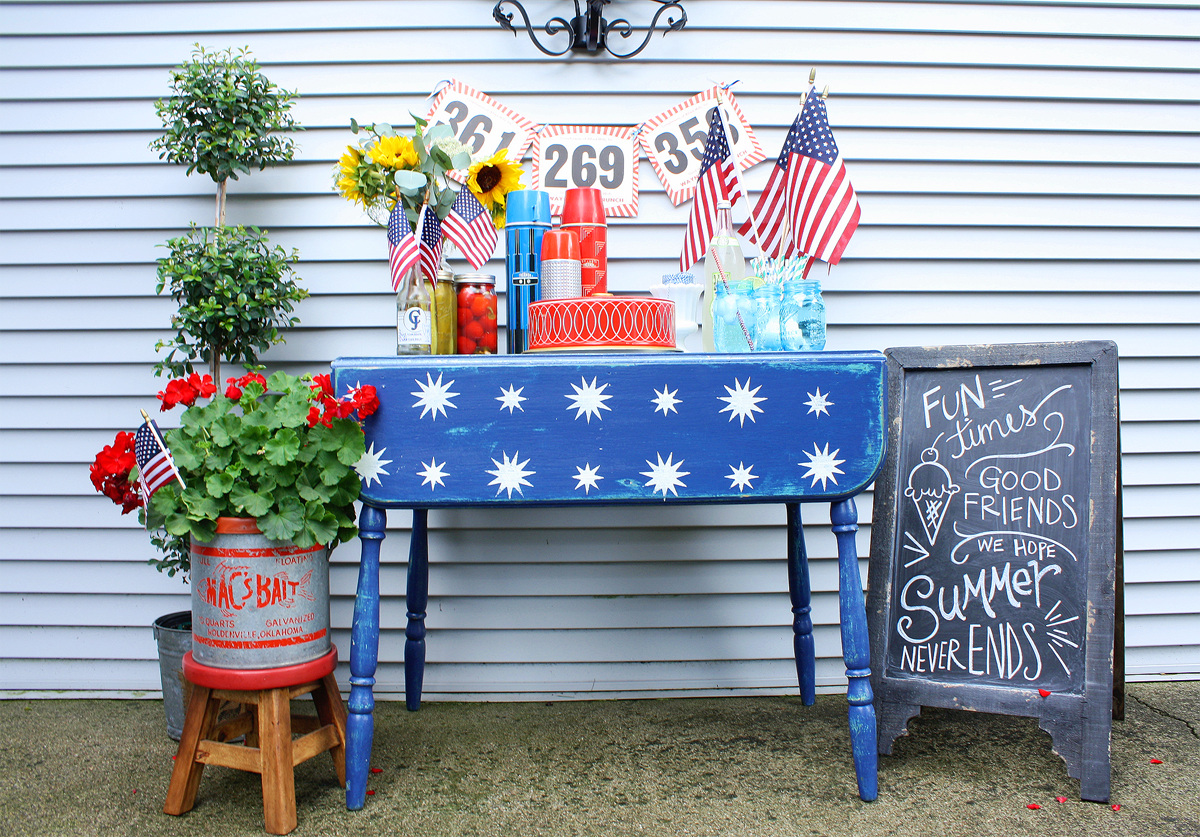 Starry Night Patriotic Table for Memorial Day and July 4 Celebration