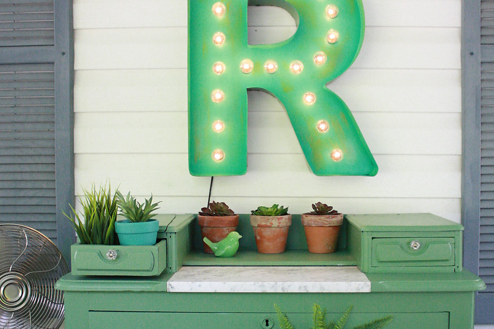 How to Paint Marquee Letter